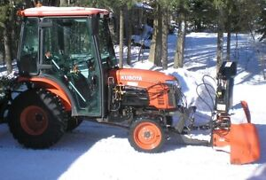 Excellent 2011 Kubota tractor with Cab & front Snowblower 30HP