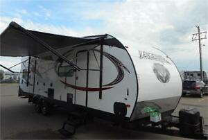 NEW TOYHAULER SALE PRICED!!! GREAT FINANCING RATES
