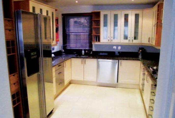5 bedroom flat in Upper Berkeley Street, Mayfair, London, W1