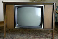 Vintage Electrohome Pacifican TV with cabinet
