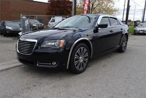 2013 Chrysler 300S. Accident Free. Panoroof.Leather.
