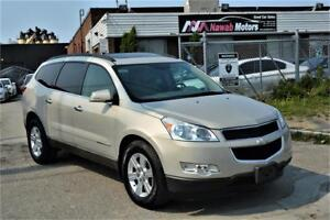 2009 Chevrolet Traverse 2LT AWD BackUp Cam Pano Roof 7 Passenger