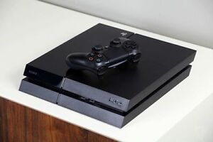 500GB PLAYSTATION 4 INCLUDES CONTROLLER AND HOOK UPS