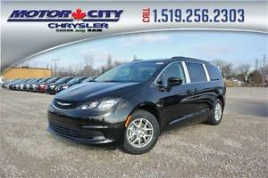 2017 Chrysler Pacifica Touring lease !!! van owners and leasees