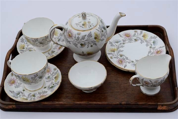 bone china tea service foley bone china by donald brindley pattern somerset in tilehurst. Black Bedroom Furniture Sets. Home Design Ideas