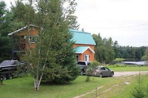 4 season cottage or home situated on the Gatineau River
