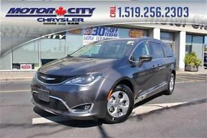2017 Chrysler Pacifica Touring-L Plus leather DVD Nav