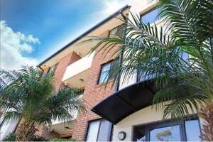 Modern Top Floor Apartment within Walking Distance to Parramatta Meadowbank Ryde Area Preview