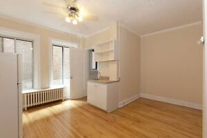 FURNISHED studio for rent Downtown Montreal Atwater av.