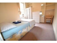 Double Room in Stamford Brook