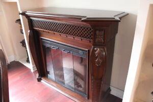 Foyer electrique !! en bois massif Haute gamme valeur $2599 + ta