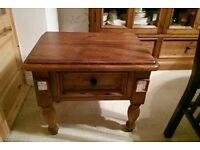 Sheesham wood lamp tablet with 1 drawer