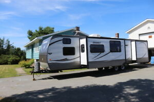 2014 HIDEOUT 38BHD PARK MODEL 2 BEDROOMS