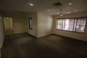 Karratha 3x1 Spacious family home, pool, spa to rent