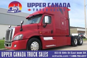 2016 Freightliner Cascadia - MINT CONDITION!