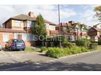 Comfortable large 4 bedroom house with garden and parking – HA7