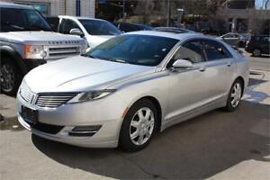 2013 Lincoln MKZ Bluetooth/ Rear View Camera/ MINT Condition.
