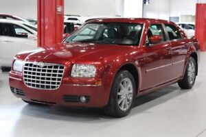 Chrysler 300 TOURING 4D Sedan AWD 2007