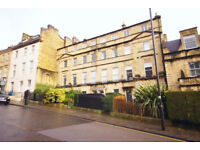 *NO AGENCY FEES TO TENANTS* Modern top floor, one bedroom apartment located in the centre of Bath