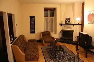 4 1/2 JULY LEASE TRANSFER & June sublet (Aylmer & Prince Arthur)