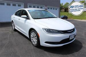 2016 Chrysler 200 LX! LOW KMS! LIKE NEW! $109 B/W!