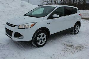 2013 Ford Escape SE All wheel drive , Heated seats