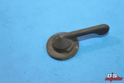 NOS Yamaha TX650 TY250 XS500 XS650 DT125 DT175 RT180 Petcock Lever Fitting Plate