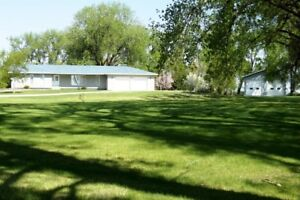 House and Land for Sale near Altona, MB - 3075 Road 4 NW