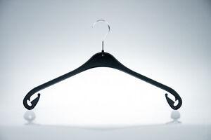 50 schwarze Kunststoff Kleiderbügel Plastik NA 33 für Oberteile fabrikneu NEU*