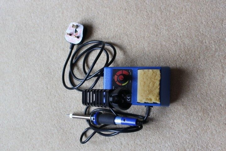 Soldering Iron Temperature controlled with stand