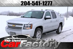 2012 Chevrolet Avalanche LT 4WD HEATED AND COOLED SEATS!