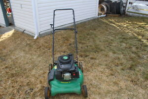 "21"" Push lawnmover with bag attachment side discharge or mulch"