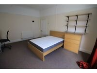 *NO AGENCY FEES TO TENANTS*Furnished Double Bedroom in 3 Bed Flat Share - Council Tax & Water Inc