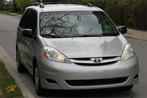 2010 Toyota Sienna CE *Silver On Grey* + ROOF RACK + 7 SEATER !!