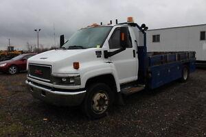 2007 GMC C5500 diesel 16' flatdeck - $8,495