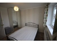 *No Agency Fees To Tenants*BILLS INCLUDED*Double Bedroom Available in 4 Bed House Share - Kingswood