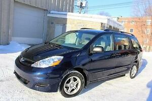 2006 Toyota Sienna CE,MAGS,ROOF RACK,AIR CONDITIONING.