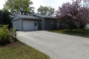 House for Sale in Altona, MB - 20 3rd Avenue SE