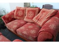 SETTEE FREE FROM THORNHILL DEWSBURY 1 OF 2