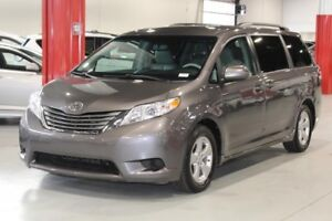 Toyota Sienna LE 4D Wagon 8 Pass FWD 2013