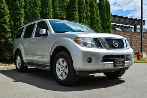 2010 Nissan Pathfinder SE | Leather | Dealer Serviced |