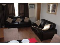 3 bed City Centre apartment, safe, secure, all inclusive,