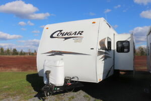 2008 COUGAR 26BHS TRAVEL TRAILER WITH SLIDE & BUNKS