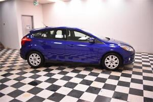 2012 Ford Focus SE- HEATED SEATS * BLUETOOTH * A/C