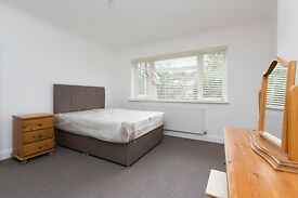 Large New 2 Bedroom Flat with Garden 10 Min to Willesden Green Tube Station