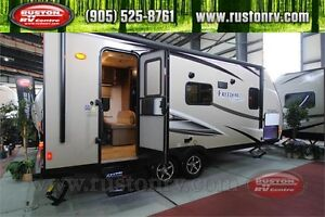 New 2017 Freedom Express 204RD Travel Trailer
