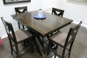 Dining / Kitchen table seats 6 with bench