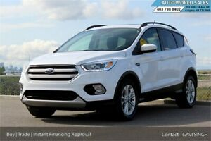 2018 Ford Escape SEL Leather Backup Cam Pano Roof Low Kms