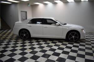 2012 Chrysler 300 5 V6 RWD- NAV * BLUETOOTH * BACKUP