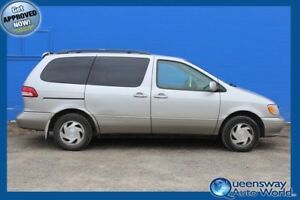 2001 Toyota Sienna LE